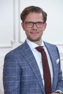 Dr. Tobias Hillegeist